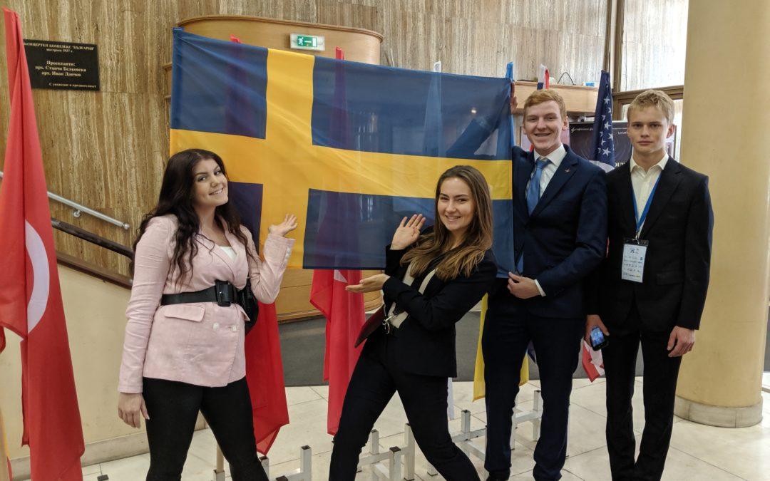 Prisceremoni på EUCYS för Sveriges Unga Forskningslandslag
